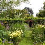 Garden styles - Cottage Gardens - dearplants.com