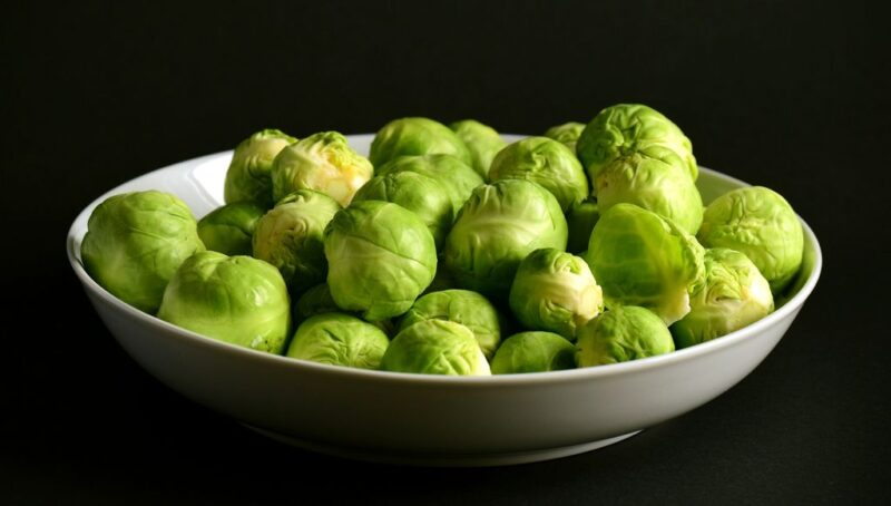 How to plant Brussels sprouts (Brassica oleracea gemmifera) - ready to eat - www.dearplants.com
